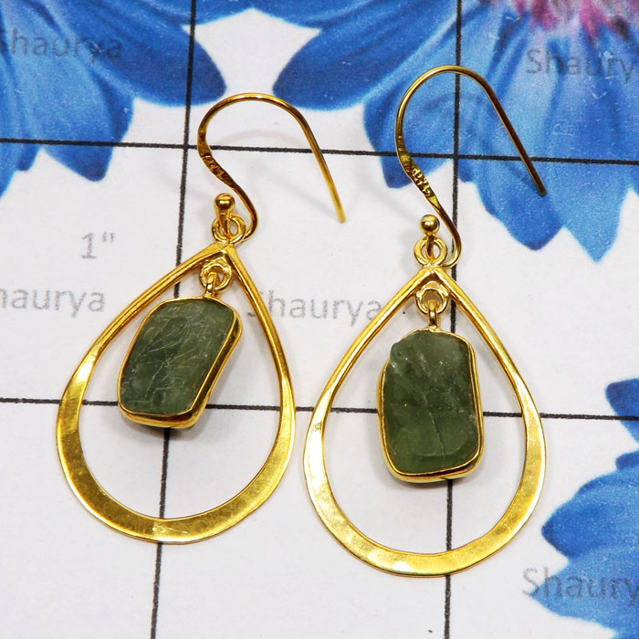 Apatite Rough I - SGE953-925 Sterling Silver Gold Plated Vermeil Earring with Semi