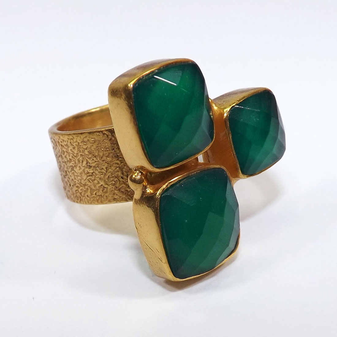 Green Onyx cut D - BGR991-7To9 mm Cushion Geniune Gemstones Rings of 18 Crt Gold Pl